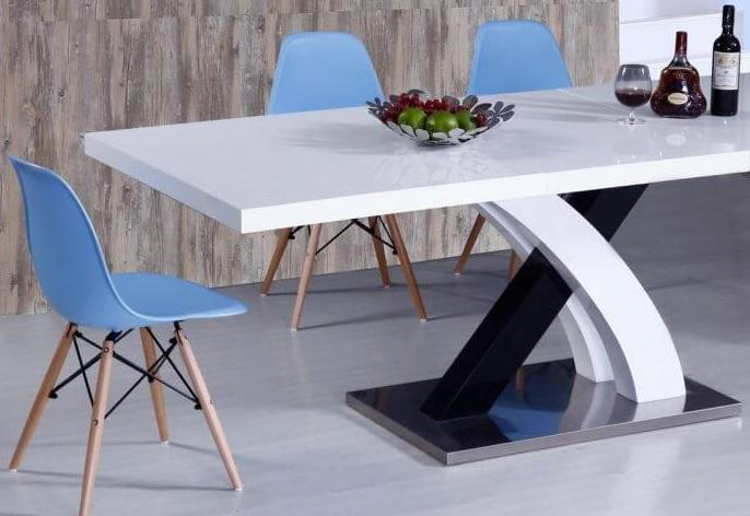 столове за кухнята